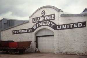 CLAREVALE WINERY SIGN FRONT